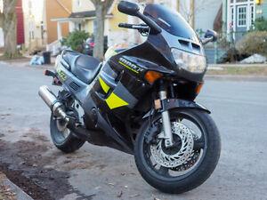 Honda CBR1000F Motorcycle
