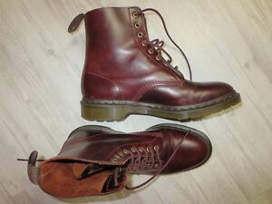 Dr. Martens Pascal 8 eyelet boots Men's size 10 - good condition