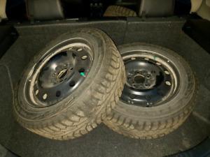 4 pneus Nokian Normdan 5 sur rim