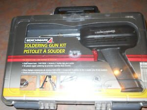 Solder Gun  and carring case in excellent condition