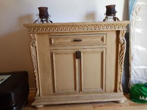 Meuble decoratif en bois