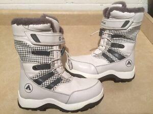 Womens AirWalk Insulated Winter Boots Size 6 2241811438