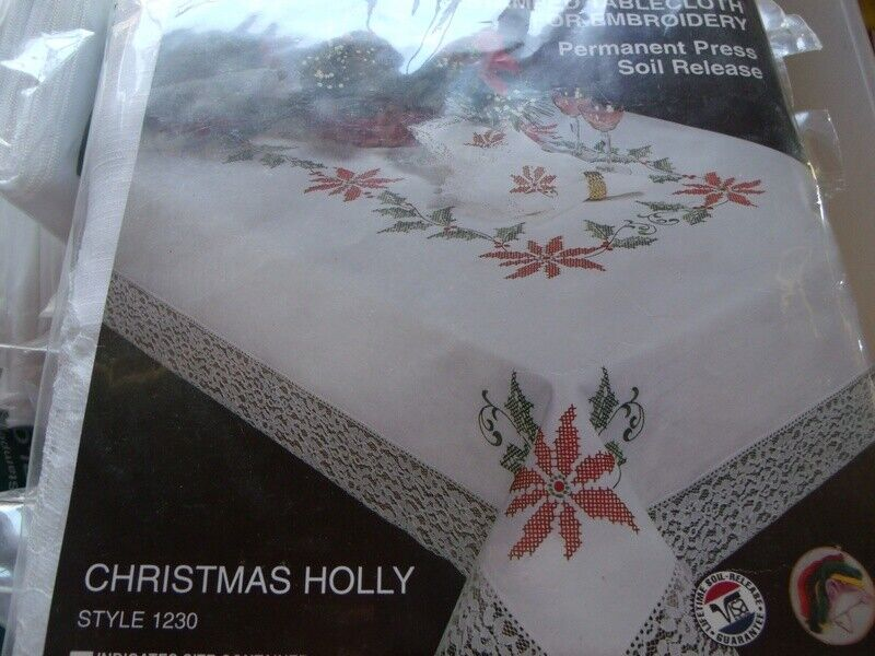 """Tobin Stamped Cross Stitch Embroidery Tablecloth A VERY FROSTY XMAS 58/"""" x80/"""""""