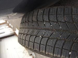 Pneus d'hIver Michelin 215/60R17
