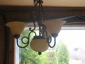 LUMINAIRE 3 BRANCHES STYLE ANTIQUE