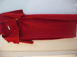 robe calvin  klein  et autresrouge ou blanc calvin klein Gatineau Ottawa / Gatineau Area image 1