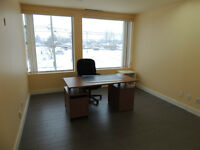 Bureau à louer /  office for rent (Blainville) Rénover