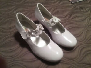 Girls dress shoes size 3