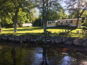 Lakefront cottage on Murphy Lake