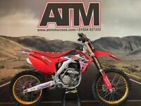 HONDA CRF250 2015 MOTOCROSS BIKE, TALONS, CARBON TANK (AT MOTOCROSS)