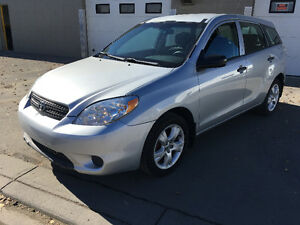 2008 Toyota Matrix Automatic 169.000kms Winter tires New brakes