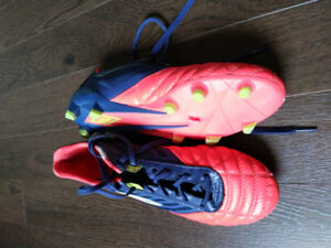 Umbro soccer cleats size 7