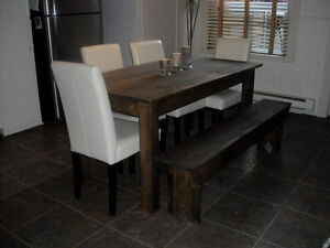 Tables neuves en bois