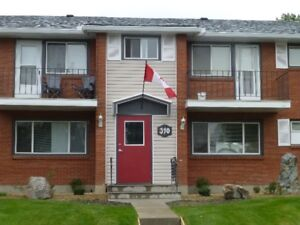 LARGE QUIET 2 BEDROOM TOWNHOUSE IN HIGH RIVER