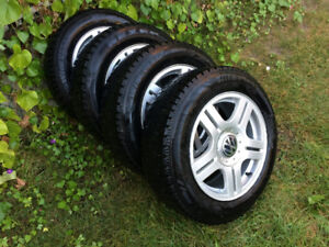 4 X VW PASSAT/GOLF Factory Alloy Rims with Winter tires