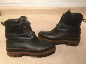 Men's Rugged Outback Winter Boots Size 8