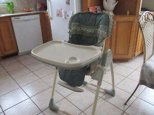 Chaise haute Baby Trend high chair excellent condition