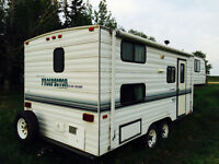 1998 23' Prospector 5th wheel by Kustom Coach bunk model