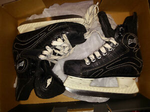 Mission kids skates size 10 youth in good condition