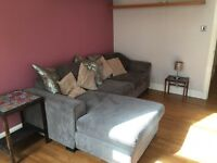 Festival Let. Fully furnished 1 bed with bband