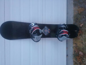 138 cm long  51-50 Snowboard with new Firefly Bindings