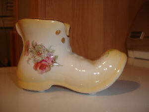 FOR SALE Vintage glass shoes, collectible shoes Kitchener / Waterloo Kitchener Area image 6