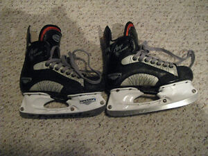 Hockey Skates Amp Fly Size 4 D Boys