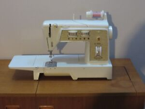 SINGER Free Arm Sewing Machine - STILL AVAILABLE