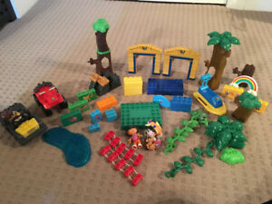 Duplo Set with Diego and Dora People