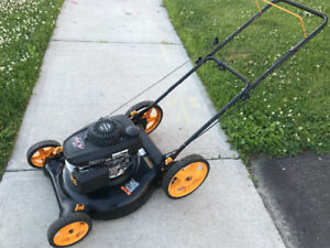 Poulan lawnmower with 6hp HONDA engine