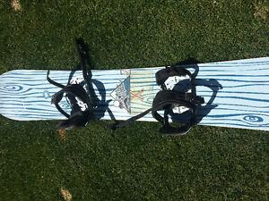 White Elephant snowboard, boots & bindings