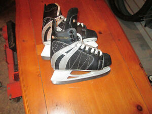 2 PAIRS OF BOYS SKATES