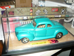 1:18 die cast 1940 Ford Street Rod in new show case
