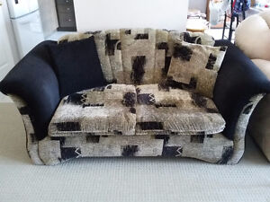 Couch and loveseat set with matching pillows black/brown fabric London Ontario image 2