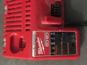 Milwaukee M12  / M18 battery charger