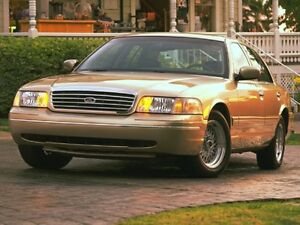 1999 Ford Crown Victoria Sedan LX