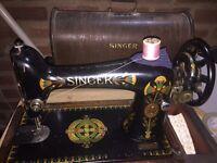 Vintage SINGER Manual Sewing Machine & Wooden Case