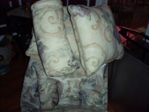 bedding ensemble**never been used**gorgeous