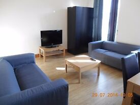 Large 4 bed Festival Flat in Prime Newington Location