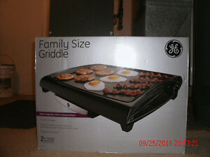 GE Grill - used once still in box $30. London Ontario image 4