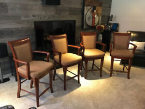 4 Bar stools with arm rests
