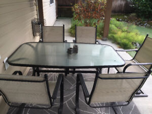 •• GLASS PATIO TABLE + 6 CHAIRS ••
