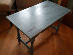 Refinished side table or coffee table
