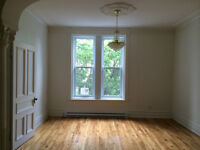 Large fully renovated 2 bedroom (8 1/2) apt in Mile-End