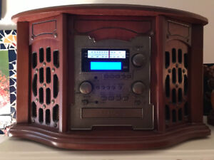 RETRO LOOKING SOUND SYSTEM: TURNTABLE, AM/FM, CASSETTE, CD