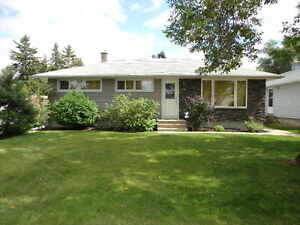 324 Y AVENUE N, MLS®#:  583009 Open House Aug.3&5 1-2:30pm