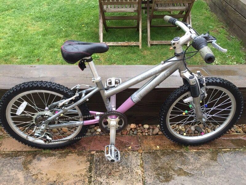 "Raleigh Girls 20"" Front suspension Mountain Bike"
