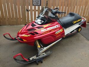 2001.5 Ski-Doo Summit Renegade Limited Edition 800