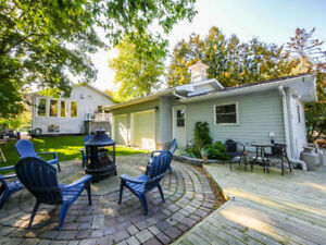 Waterfront Home - 3+4 Bedroom With 2 Separate Basement Suites
