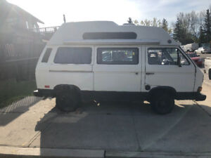 VW camper van. 1987 transporter. 300km. Needs some work.